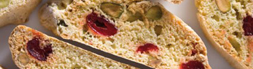 Итальянское печенье бискотти с сушёной вишней, фисташками и сычуаньским перцем